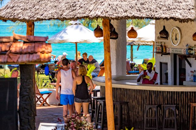 Diani Sea Lodge - bar u bazénu